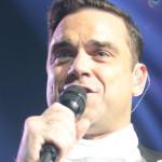 PRVNÍ DOJEM: Robbie Williams a swing i kabaret