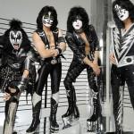 PRVNÍ DOJEM: Kiss předvedli tradiční rockovou show