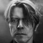 Album Davida Bowieho vede britský prodejní žebříček