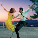 Nominacím na Zlaté glóby vládne film La La Land