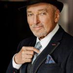 VIDEO: Karel Gott zazpíval v pražské Lucerně